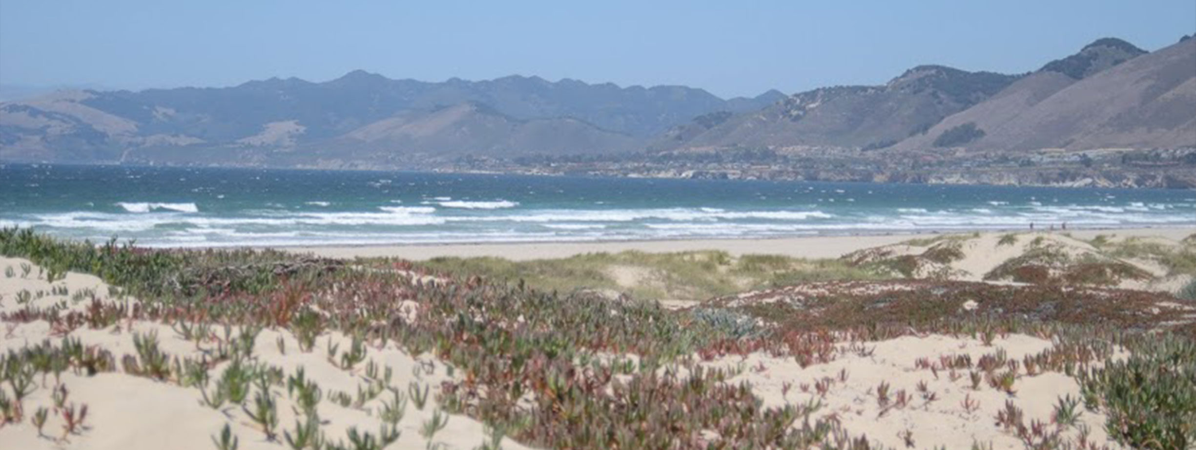 Photo of the sandy coast in San Luis Obispo.